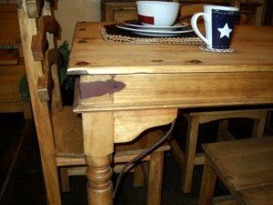dining-set-indian-table-closeup