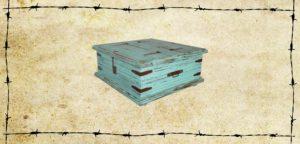 lt_arc_09_p-d_large_square_trunk_w-paint-distressed_34x17x34